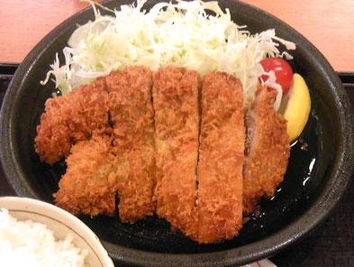 名物グルメ-ジャンボチキンカツ定食