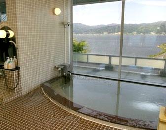 諏訪湖SAの温泉・シャワー施設