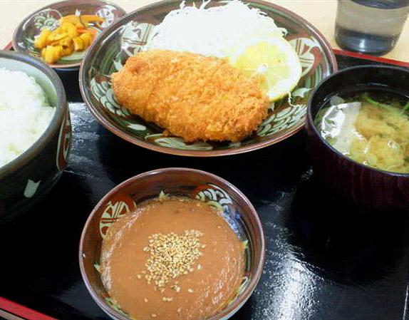 名物グルメ-安養寺味噌カツ定食