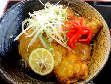 名物グルメ-徳島すだち風味豚丼