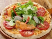 新鮮野菜のピッツァ