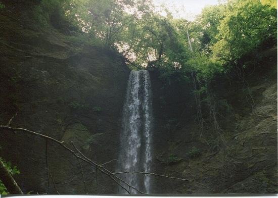 バケの沢の大滝