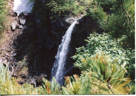勝瑛の滝 (2)