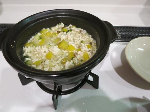 朝ご飯 チキンとお芋の雑炊