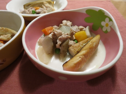夜ご飯 鶏の根菜煮と鯖のオイル焼き