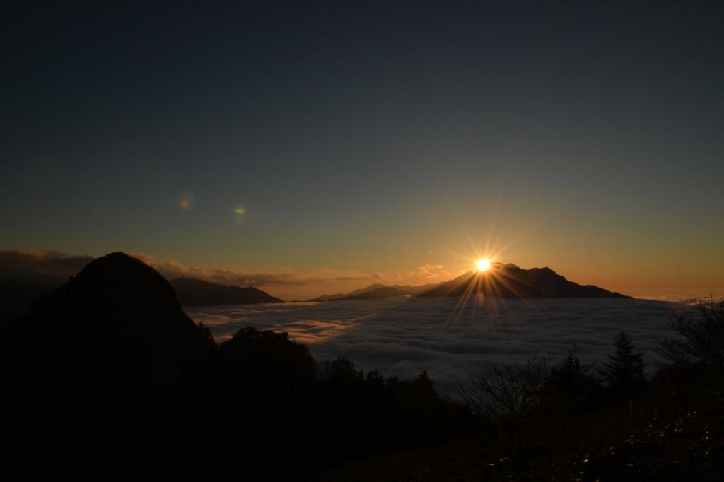 石鎚山の夕景