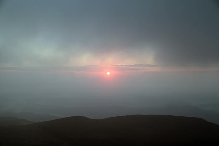 2014年10月19日 山頂直下から見たご来光