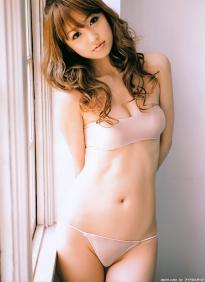 ogura_yuko_g195.jpg