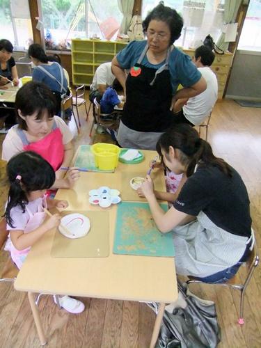 2012.9.7 親子陶芸(絵付け) 045 (1)