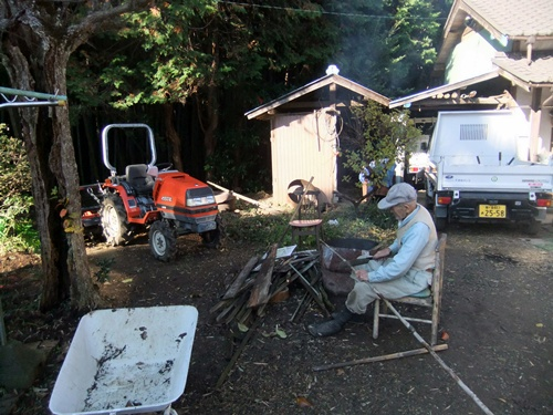 2012.12.6 庭の整備 011 (1)