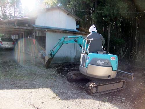 2012.12.6 庭の整備 011 (4)