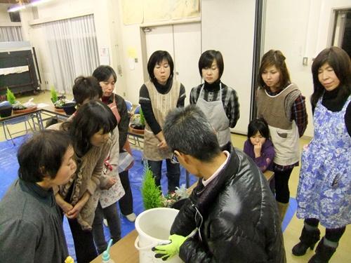 2012.12.19 寄せ植え教室 028 (2)