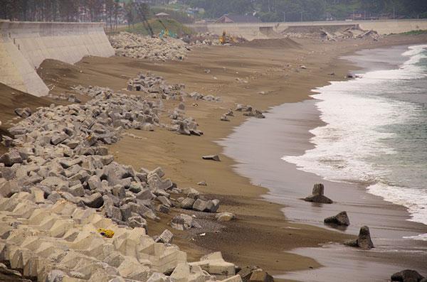 震災4か月後の十府ケ浦海岸