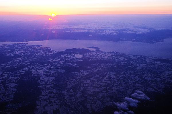 琵琶湖上空からの田園