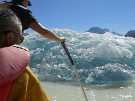 氷河に近づく
