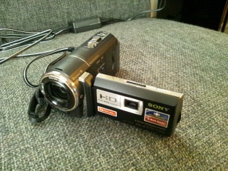 新しいビデオカメラ 今度はメモリ式