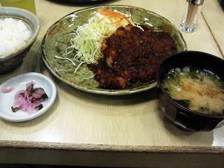 矢場とん味噌ロースカツ定食