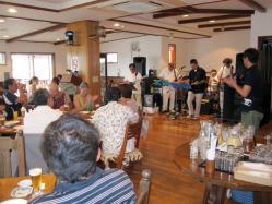 遊ヶ崎リゾートのディナー風景