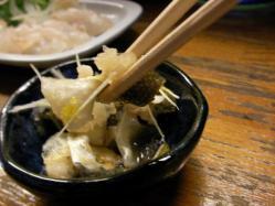 蒔田「呑立」のマゴチ皮のポン酢