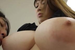 BigBoobsButt七草ちとせFC2動画