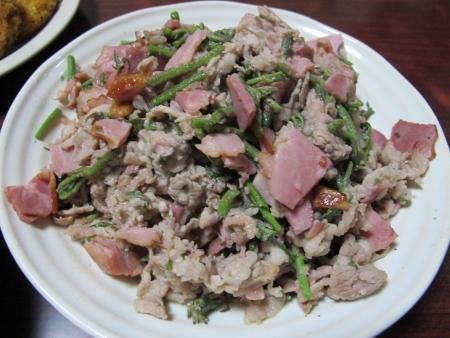 豚肉ベーコンタラの芽炒め