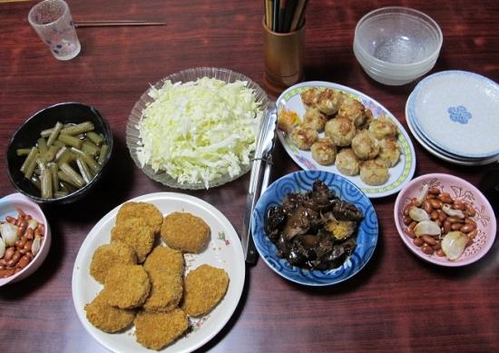フキ、お惣菜各種、キャベツ