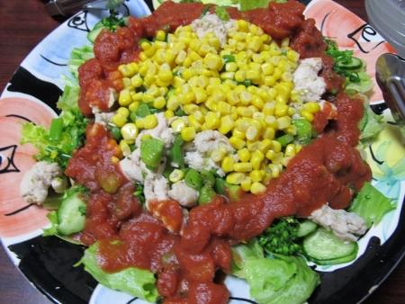 鶏肉塩だれ炒めとトマト缶のサラダ