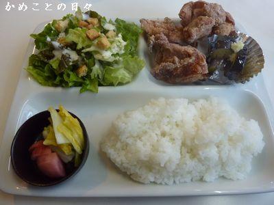 P1810606-lunch.jpg