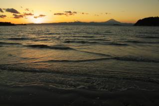 逗子海岸の夕暮れ-2