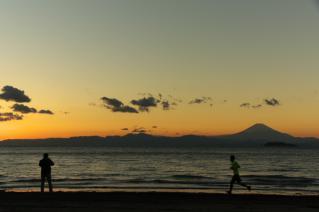 逗子海岸の夕暮れ-3