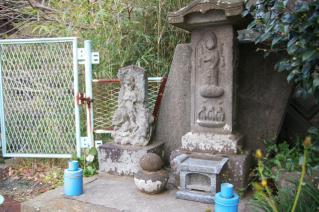 浦賀道(戸塚):寺前の庚申塔