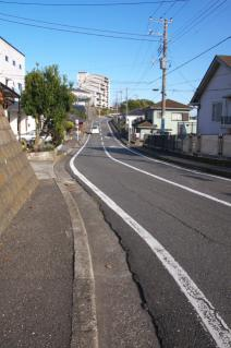 浦賀道(戸塚):阿部倉→伝馬場坂間の広くなった市道