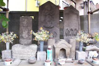 浦賀道(戸塚):伝馬場坂上の庚申群