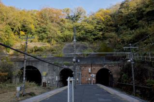 JR横須賀線・七釜隧道全景