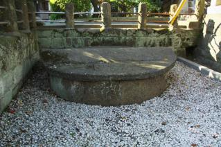 浦賀:西叶神社前の大井戸