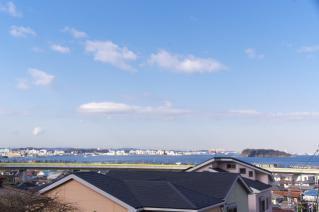 浦賀道:大津・馬堀の庚申前から海上を望む