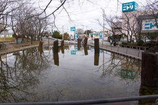 旧東海道:旧相模川橋脚を南側から見る
