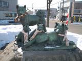 JR大館駅 秋田犬の像