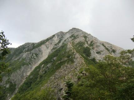 山頂を振り返る
