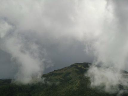 雲行きがアヤシイ