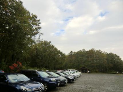 朝の八方台駐車場