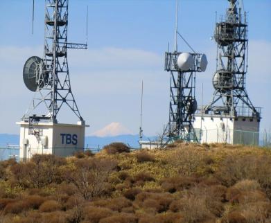 TV塔の間に富士山