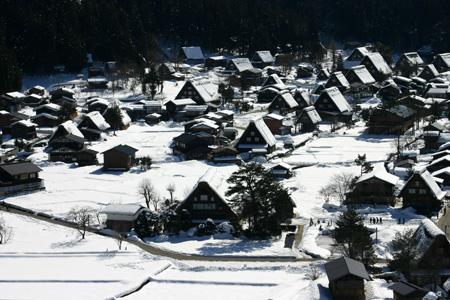 長く感じる冬の季節の中に感じる春の息吹~日本の原風景を思い起こさせる世界遺産 白川郷~ゆっくりとですが確実に春の訪れがやってまいります ①