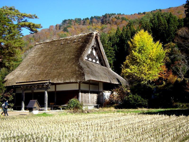 秋深まる世界遺産 白川郷の風景 ⑤