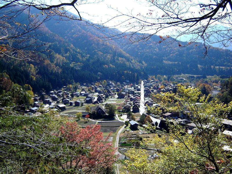 秋深まる世界遺産 白川郷の風景 ⑧