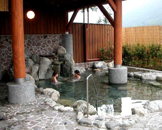 ① 大白川温泉 しらみずの湯