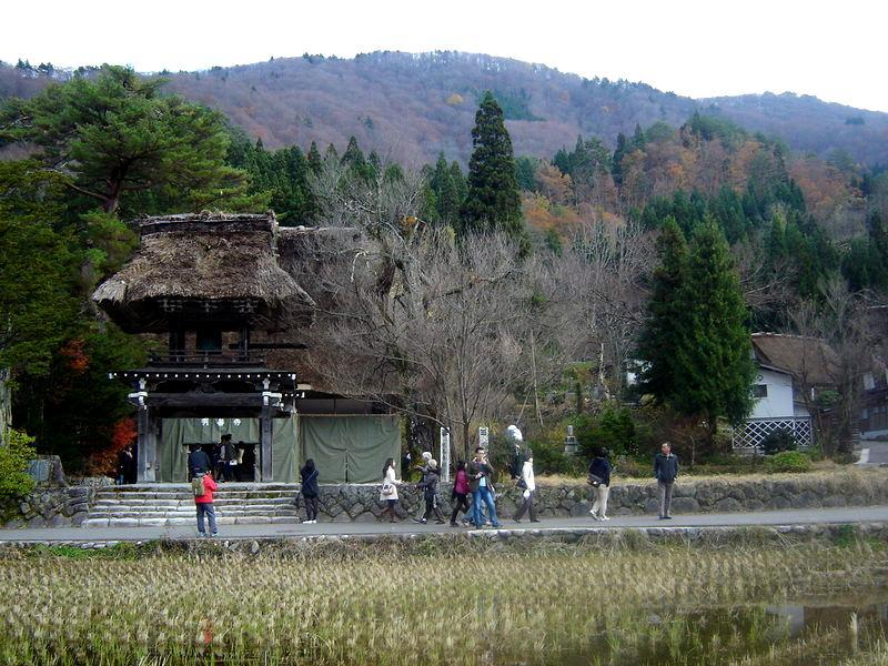~世界遺産 白川郷~ 今年最後の月もお手軽に温泉旅行をお楽しみいただけますね♪ ⑩