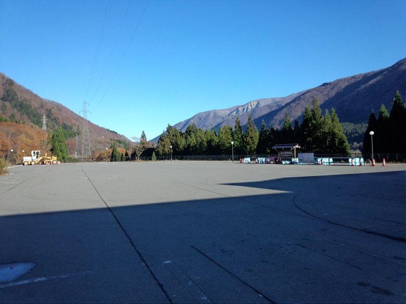 11月25日より道の駅 飛騨白山駐車場舗装工事が行われます。③