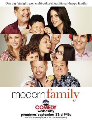 modern_family_2009_1595_poster1.jpg