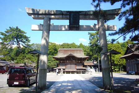 nagahama-hatiman-gu-torii[1]